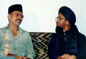 Tan Sri Jins Shamsuddin pernah bertemu Abuya.  Hero filem Bukit Kepong itu menderita Alzheimer dan berat badan turun dari 80 kepada 40 kilogram.
